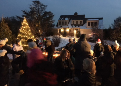 Gathering held after caroling